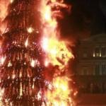 елка загорелась